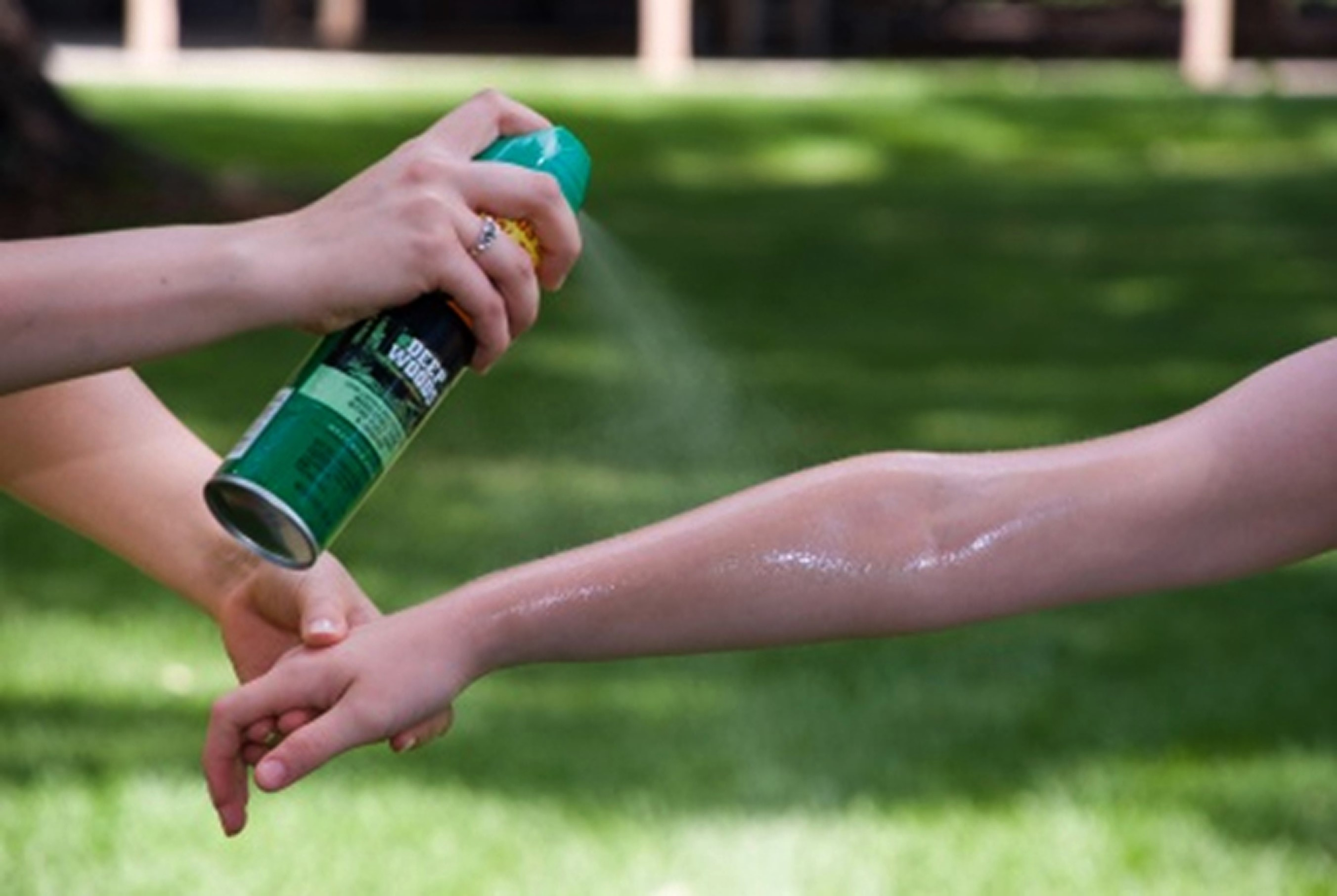 Applying insect repellent